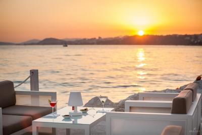 restaurant-bar-interior-exterior-design-photographer-2