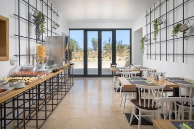 restaurant-bar-interior-exterior-design-photographer-29
