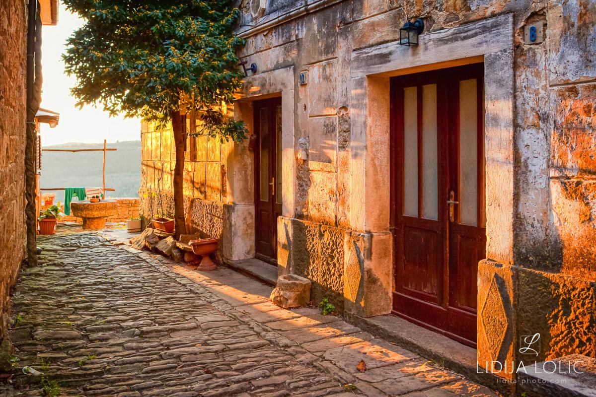 Old Groznjan streets - sunset