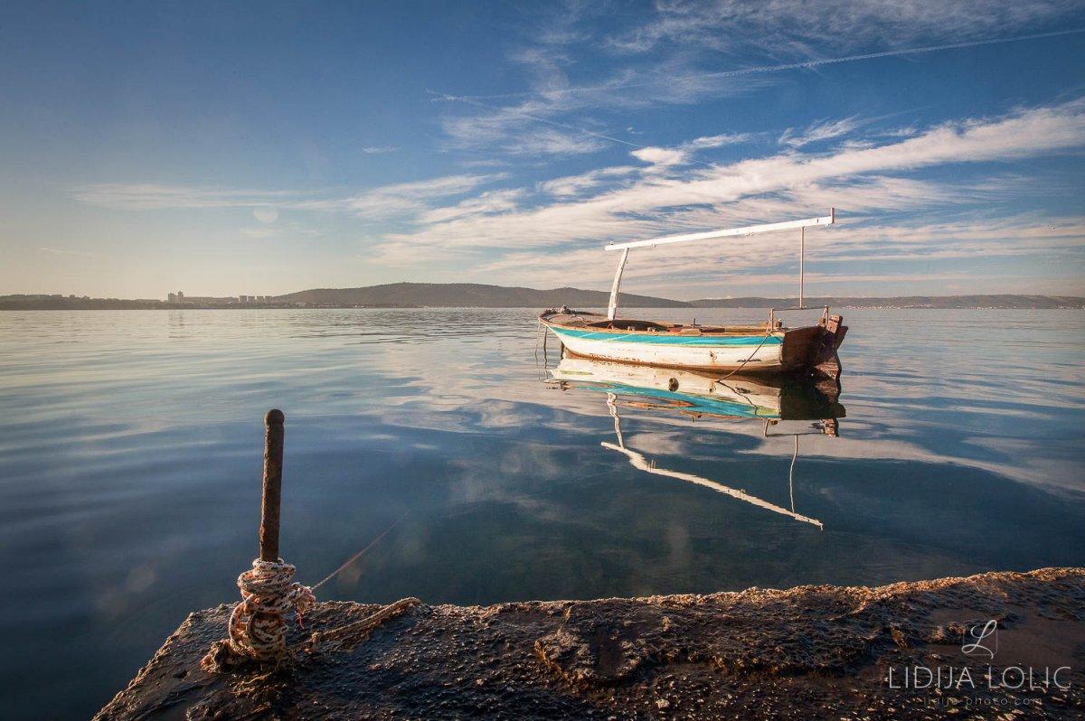 Brodica u rano jutro