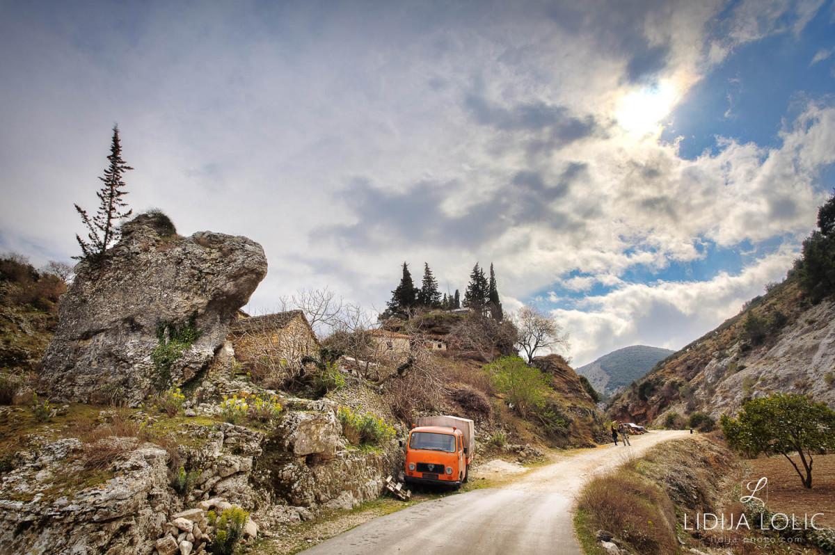 Dol-brac-road