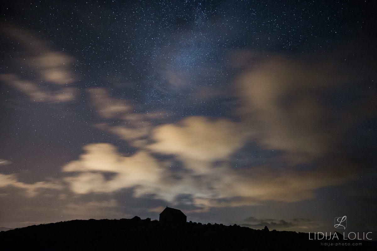 punta-planka-astrofotografija-kapelica-sv-ivana